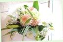 お悔やみの花に 百合と季節の花の花束 109