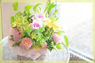 季節のお花で!キュートなアレンジメント