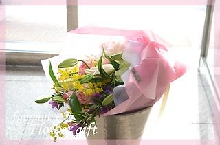 品のあるイメージで 季節の花束