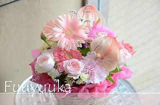 ガーベラと季節の花々 ピンク系アレンジ