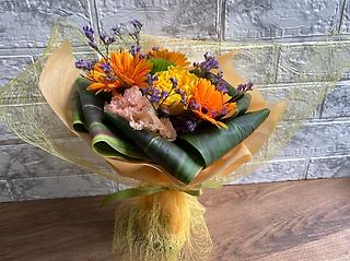 【陽気】元気をお届け オレンジカラー花束 ブーケタイプ