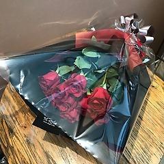 赤い薔薇10本の花束(2Lサイズ)
