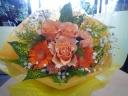 お母さんのカーネーションとバラの花束OR