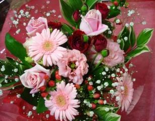 人気カラーの花束☆