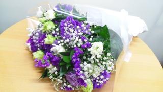 お供え用花束「ホワイト・パープル」