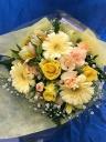 イエロー系の可愛い花束