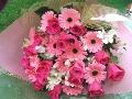 バラとガーベラの花束