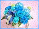 幸せ運ぶ…青いバラのアレンジメント