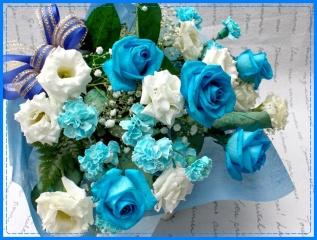 幸運を運ぶ…青いバラのHAPPYブーケ