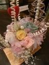 ビーズ手つき花器のプリザ