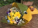 イエローバラのおしゃれな花束