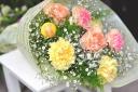 シンプル♪カーネーション花束