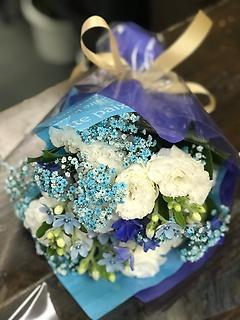 ブルーホワイト花束