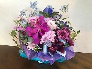 古希や喜寿のお祝いに紫アレンジメント