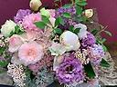 惹かれる紫色の花贈り