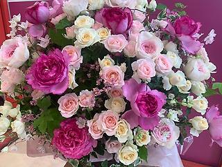 ivoryの庭 バラがいっぱいのアレンジメント