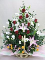 お祝のアレンジメント(百合・赤薔薇)