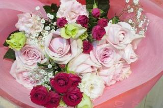 優しいピンクの花束
