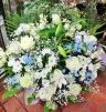 『涼風』白バラとカサブランカの供花アレンジ・白青系