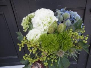 個性的な花束♪ホワイトブルー