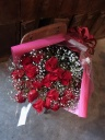 真っ赤なバラのスタンダードブーケ