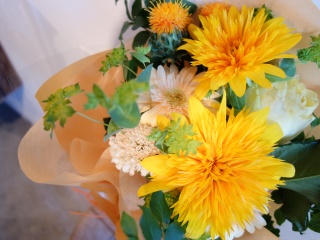 太陽のようなひまわりの花束