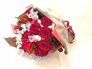還暦のお祝いといえば「赤」!真っ赤な花束を★
