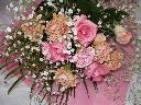 ピンク系の可愛い花束