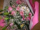 ピンク系の豪華な花束