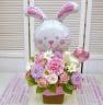 ピンクホッペのうさちゃんとお花のバスケット
