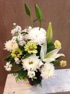 白ユリの花籠