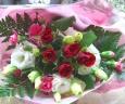 赤バラ5本メインのブーケ*花想久里・はなおくり*