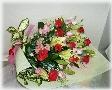 赤バラと百合の花束*花想久里・はなおくり*