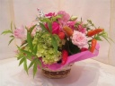 ピンク系のお花を集めたアレンジメント