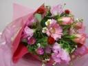 ピンクのバラとガーベラの花束