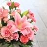 ピンクユリの華やかアレンジメント