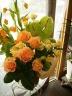 オレンジ系の華やかアレンジ