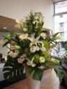 ホワイト系スタンド装花