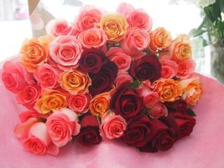 華やかミックスカラーの花束