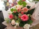 季節のおまかせピンク系のナチュラル花束