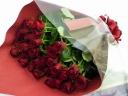 特別な赤いバラの花束