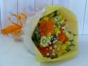 オレンジイエローの花束