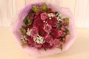パープルのローズとガーベラの花束