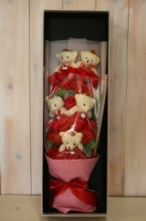 ソープフラワー 赤バラとベアーのミックス花束