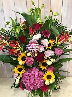 お誕生日おめでとう!ヒマワリとバラとバルーン付き!