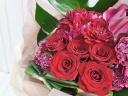 【華やかなレッド系花束】情熱