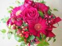 ○●東花園●○赤バラとガーベラのアレンジ