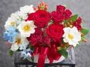○●東花園●○ 赤バラと白い花のアレンジ