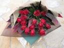 赤バラのゴージャスな花束