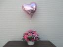 ハート型バルーンの可愛いピンクのアレンジメント